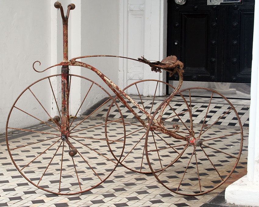1870s-1880s METAL VELOCIPEDE TRICYCLE
