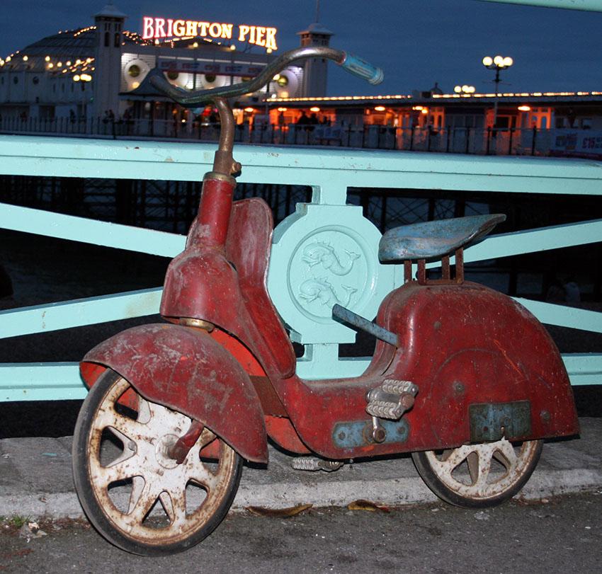 1954 triang Tri-etta scooter 05
