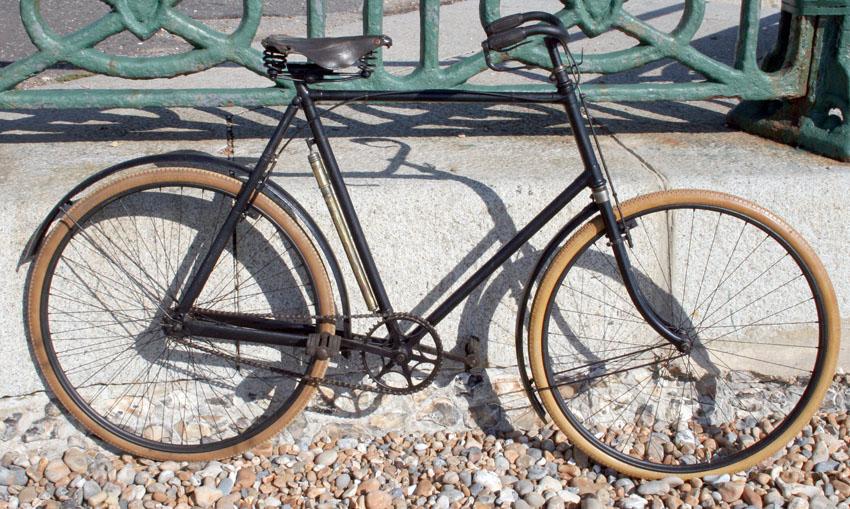 1906_Triumph_01