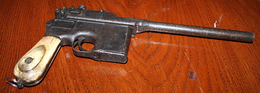 Mauser C96 Broomhandle 1