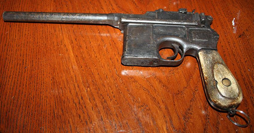 Mauser C96 Broomhandle 2
