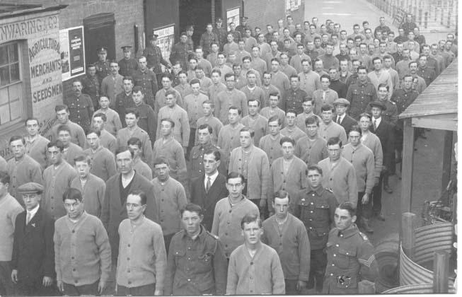 tonbRidge drill hall recruits 1914