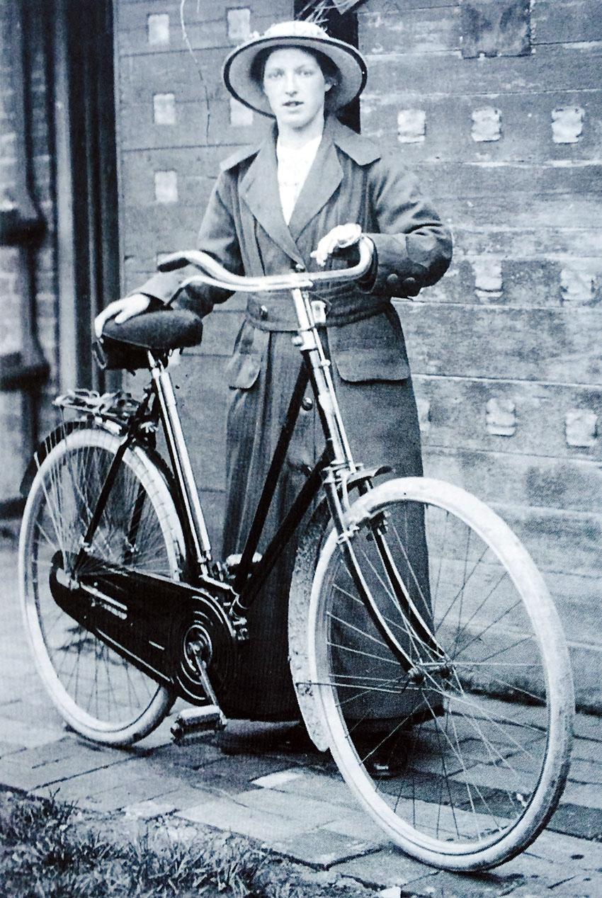 1895 Ladies Popular Rover 4