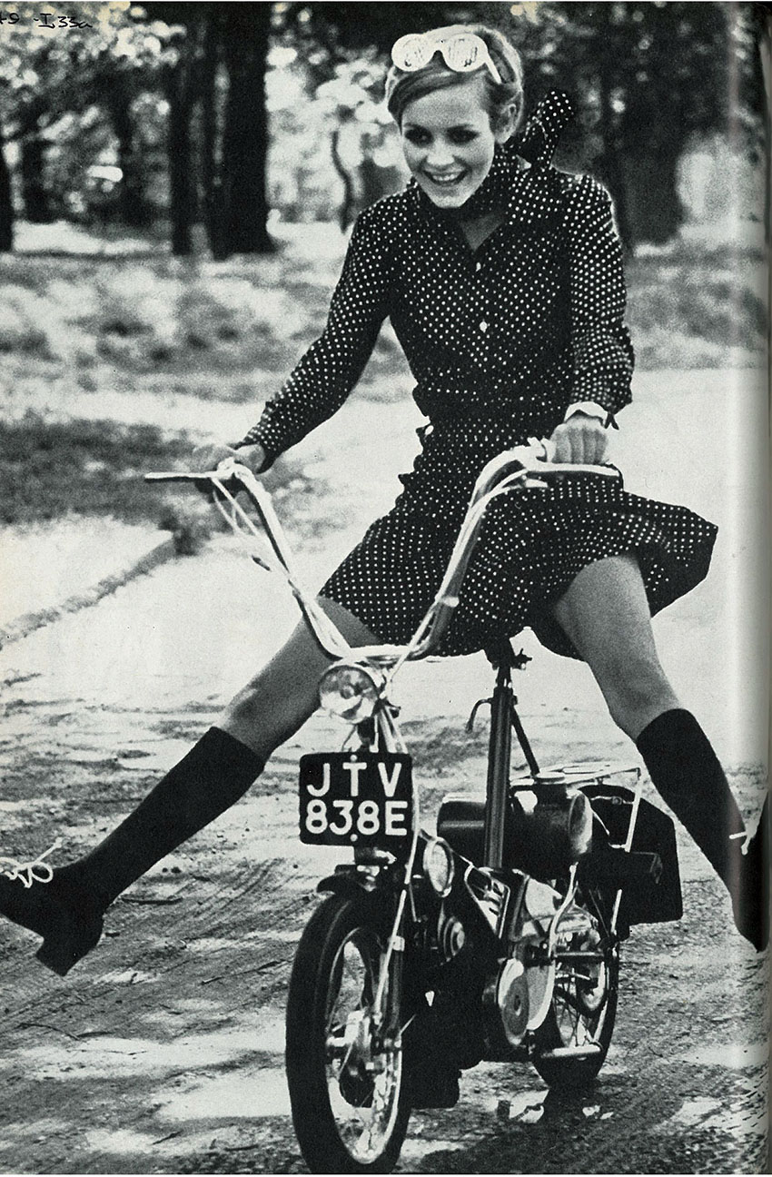 july_1967 TWIGGY RALEIGH WISP 3