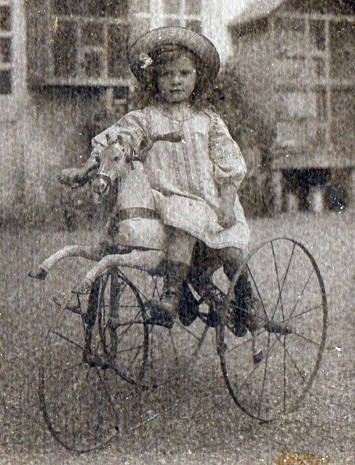 1800s horse tricycle 2