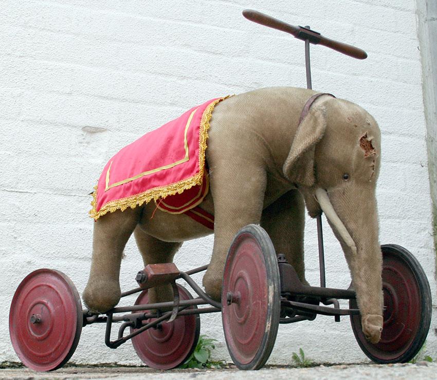 1920s Elephant Pedal Car 05