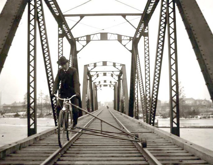 Electric Road Bike >> RAILWAY BICYCLES | The Online Bicycle Museum