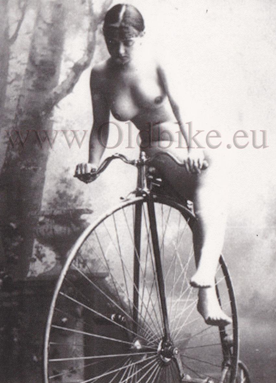 Эротика в старой фотографии 11 фотография