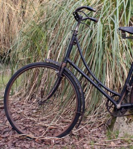 https://onlinebicyclemuseum.co.uk/wp-content/uploads/2013/03/1921_Humber_Olympia_25-269x300.jpg