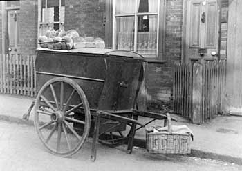 1910s co-op bakers cart 05