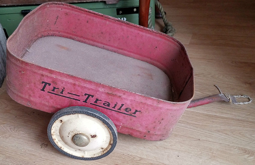 1930s TRIANG TRI-TRAILER 1