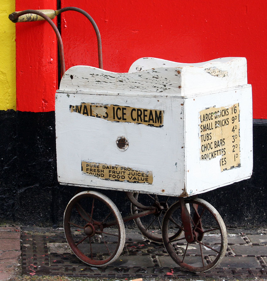 1930s Triang Walls Ice Cream Cart 05