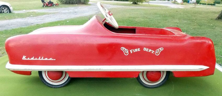1953 Garton Kidillac Fire Chief Pedal Car 05