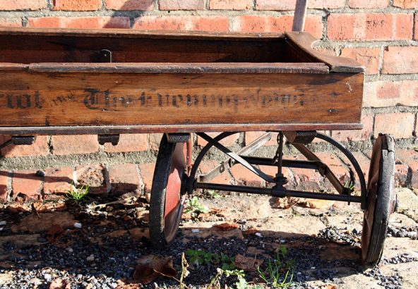 1920s Overland Newspaper Wagon 05