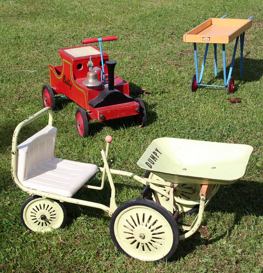 1950s Leeway Billy Mobo Merry Go Round Dumpy Triang