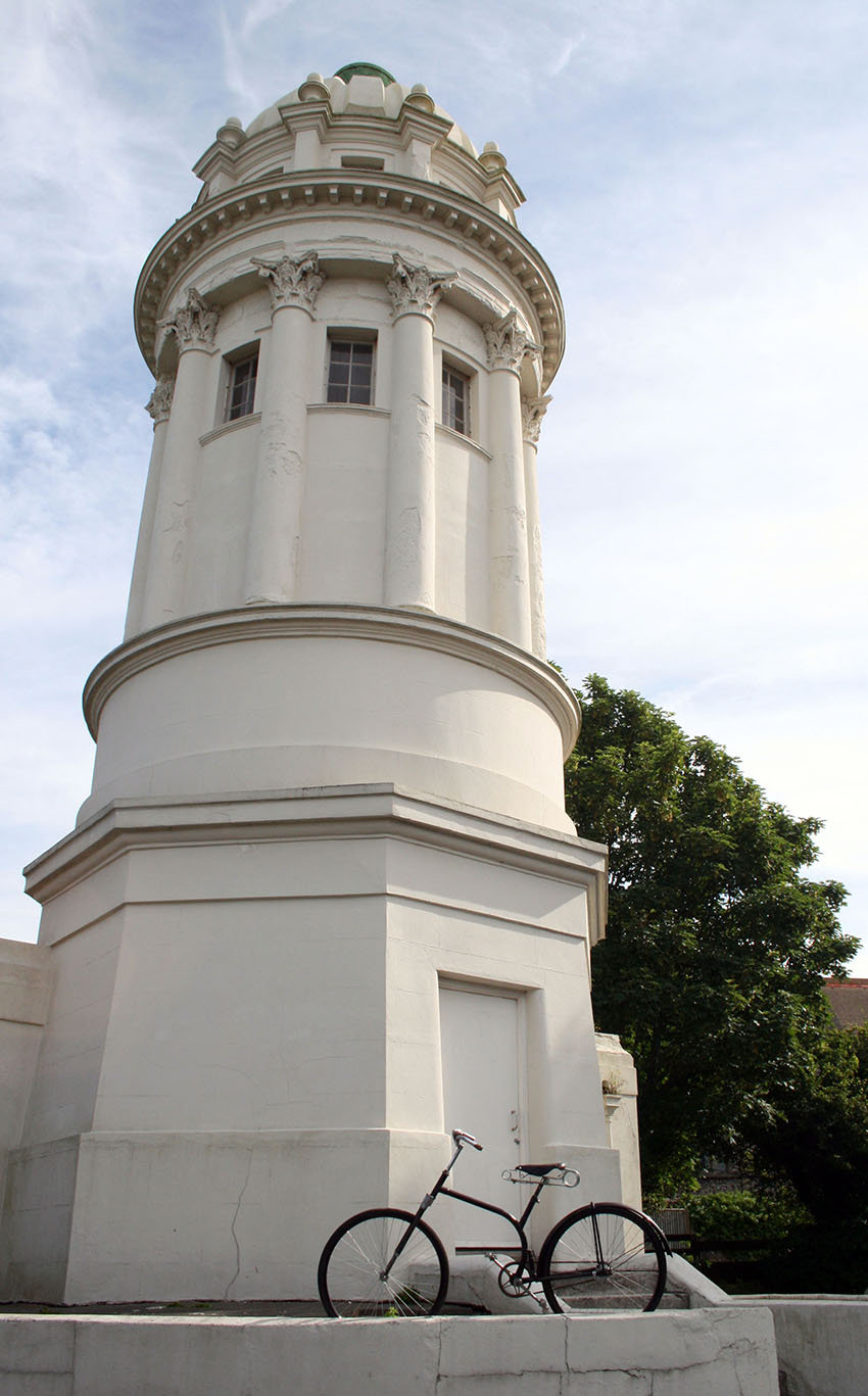 1930 S FRAME Pepperpot Brighton