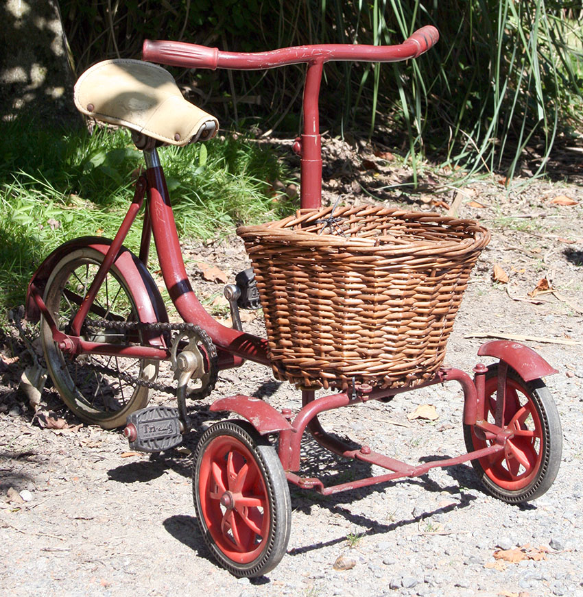 1950s Triang Carrier Tricycle 05