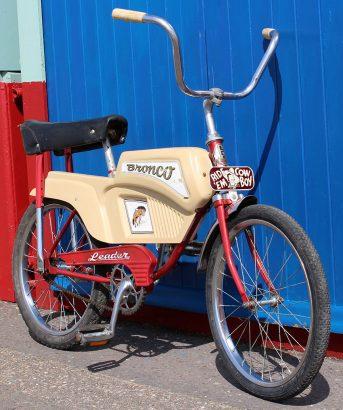 1960s VPW Leader Bronco 05