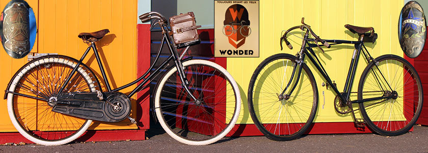 1920s-WONDER-MALE AND FEAMLE BICYCLES
