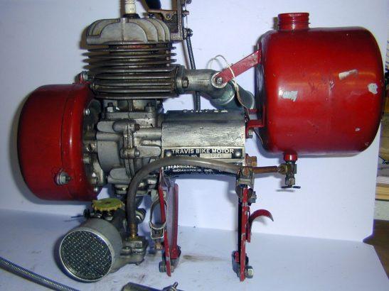 1949_travis_Motor_bike_01