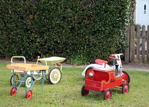 1950s-Leeway-Billy-Mobo-Merry-go-Round-Dumpy-Triang-Cart-01