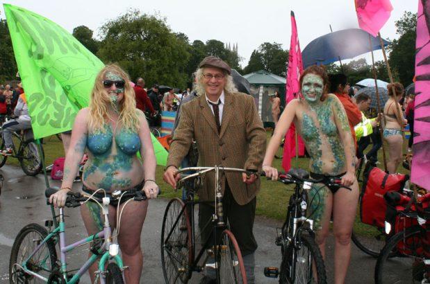 2011_Naked_bike_ride_01-1
