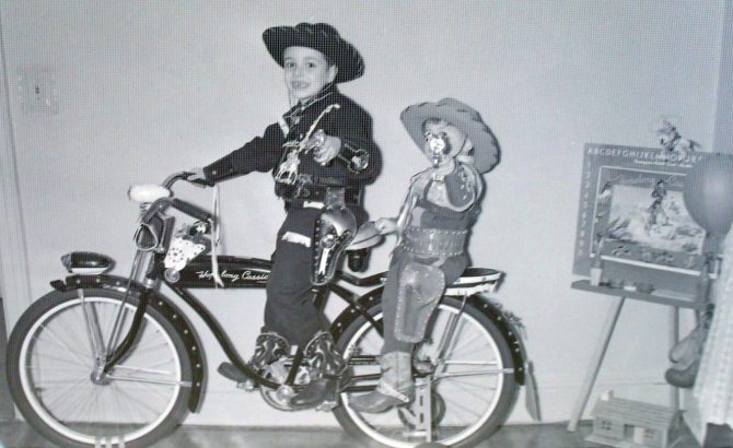 Online-Bicycle-Museum-cowboys-1