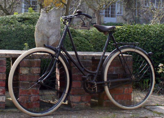 1913 Ladies Premier 36