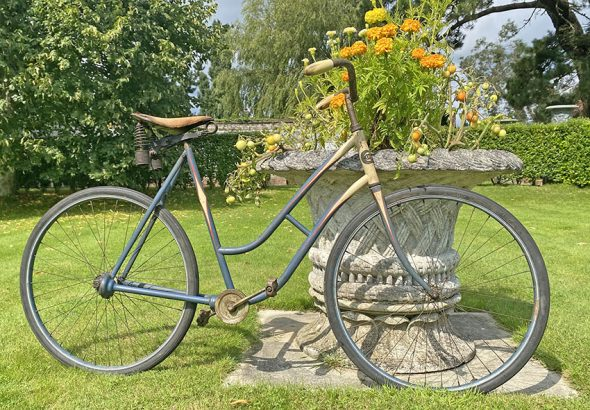 1910s Crescent Chainless 5